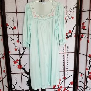 Vintage Lorraine Large Nylon Nightgown Button-up